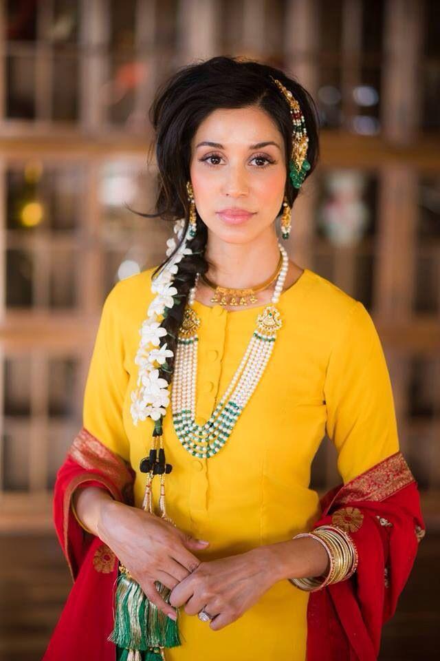Beautiful Simran in Zeba's jewels please vist www.poshstyl.com