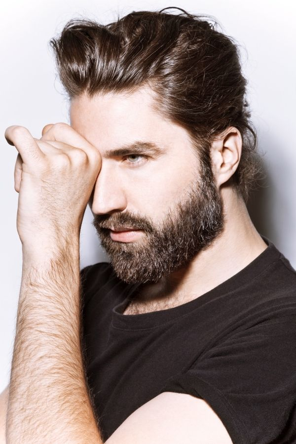 Brilliant 40 Beard Style For Round Face Men Round Face Men Beard Styles Natural Hairstyles Runnerswayorg