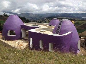 Superadobe. Casa Antakarana.  Jose Andres Vallejo architect.