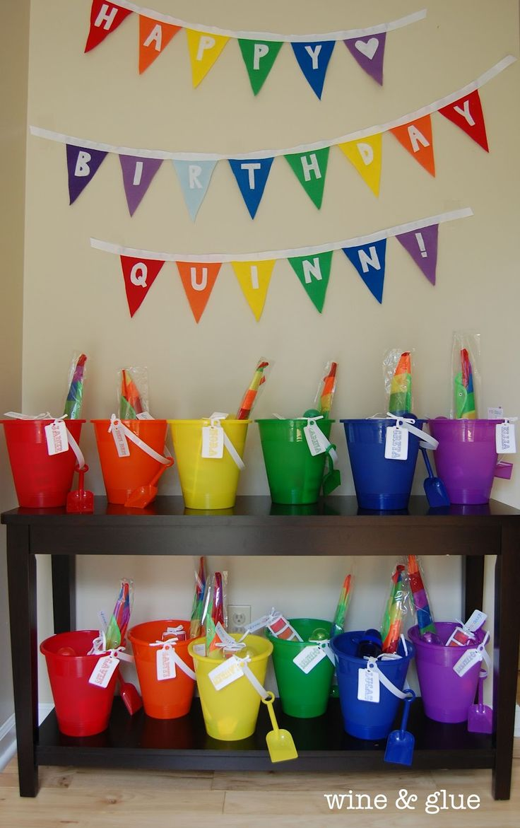 Felt Pennant Birthday Banner from Wine & Glue #diy #birthday