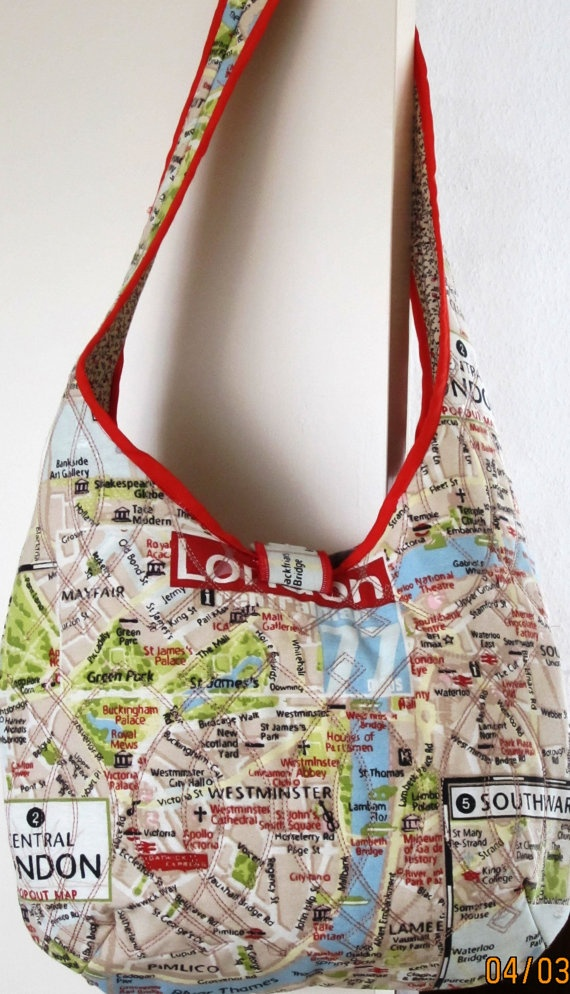 Sturdy canvas shoulder bag with a print of by TulipArtConnection, €45.00
