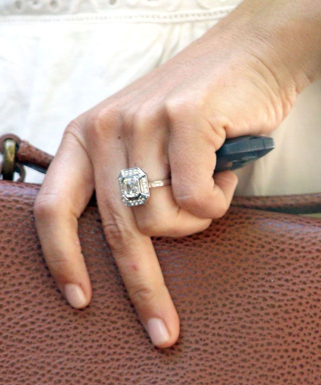 Pippa Middleton Reveals Engagement Ring for the First Time