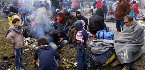 Eslovênia vai recorrer à segurança privada para ajudar na crise dos refugiados