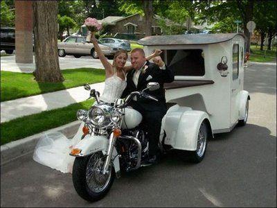 Transporte híbrido Moto-Carroza para #novios