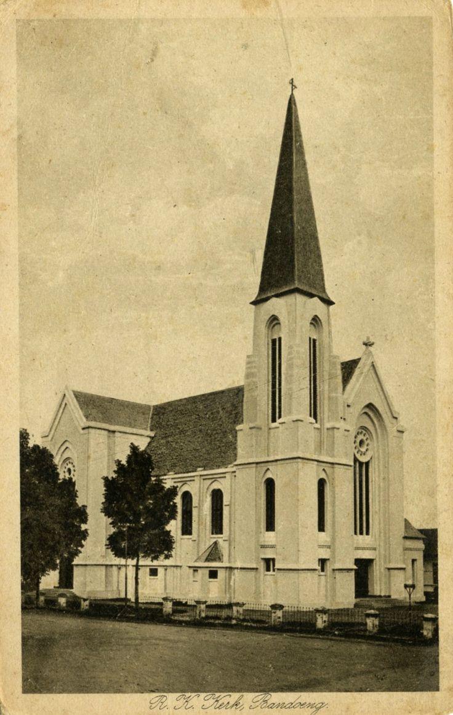 Rooms-katholieke kerk in Bandoeng, 1920.
