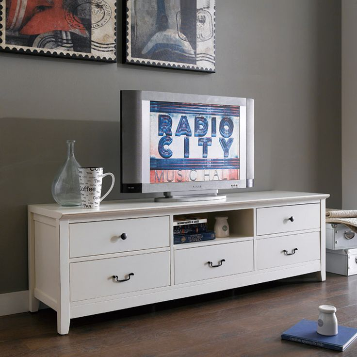 Alyssa TV Cabinet comes in aged effect look. It contemporary style will suitable match with your elegant home interior