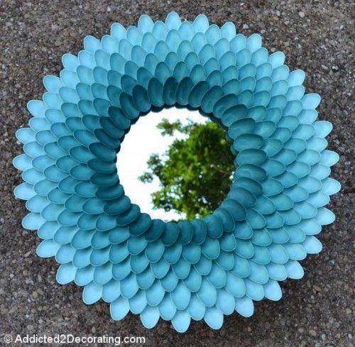 Specchio fatto con cucchiai di plastica di (Questo lo riciclo ti piace l idea?)