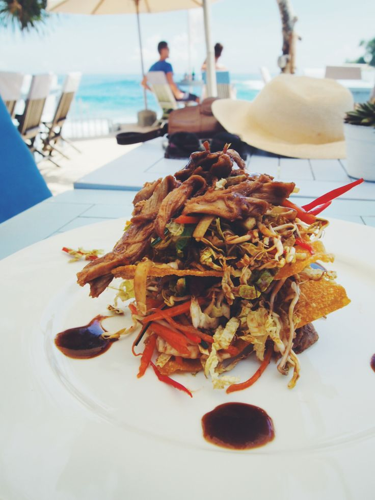 Duck Salad at the Beach Club at Sandy Bay. Nusa Lembongan, Bali | http://wander-full.com/2014/07/02/sandy-bay/