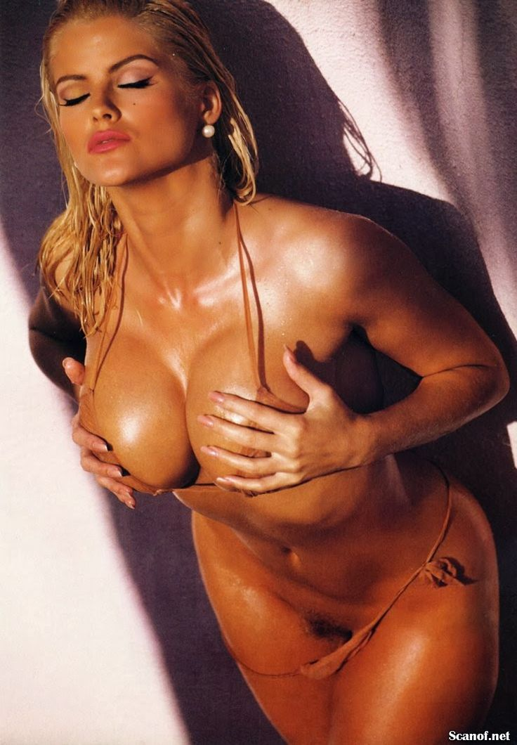 Anna nicole smith naked having sex sorry
