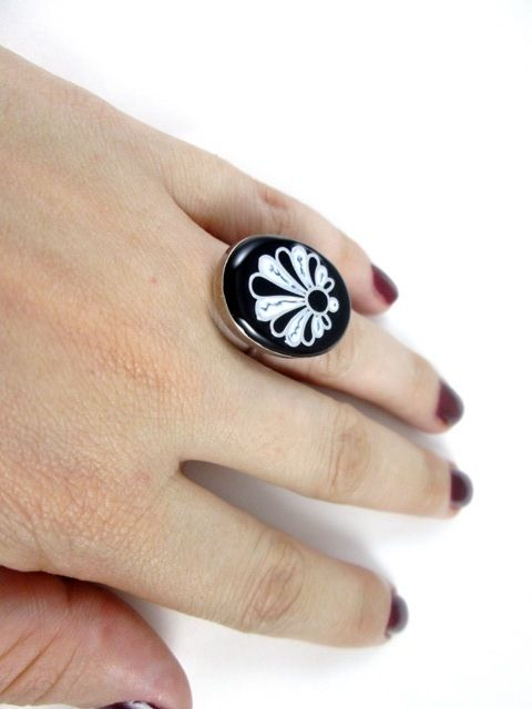 Inel din argint pictat manual cu email uscare la rece.  Silver unique hand painted ring. #silver #ring #jewelry #roxoboutique #inel