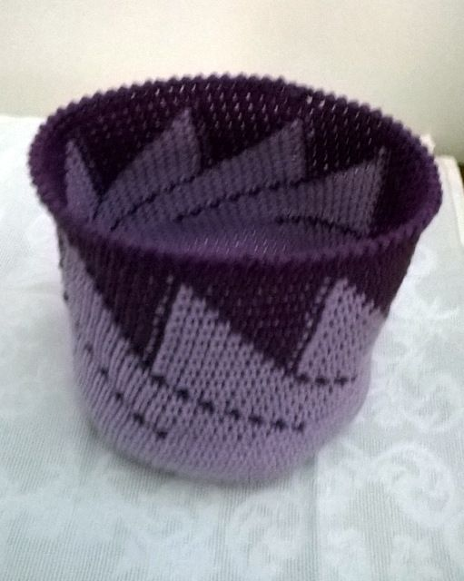 Medium-sized crochet basket, by AM