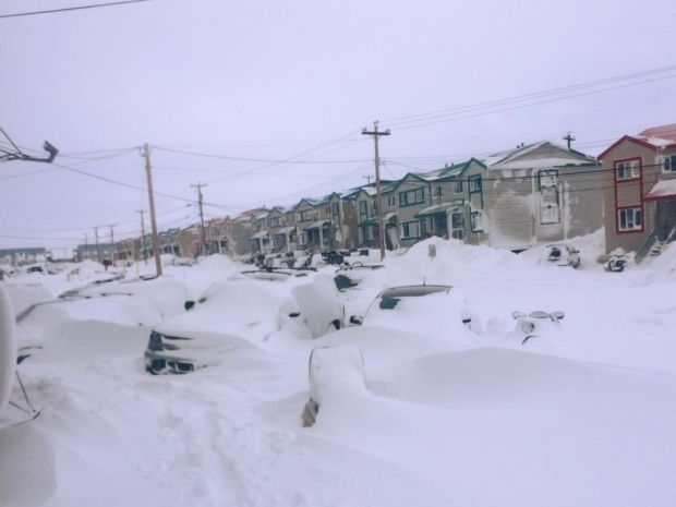 nunavut weather in april
