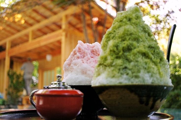 かき氷  Kakigori - Japanese child's fav food! lol. Matsuri de mieru! xD DONE!