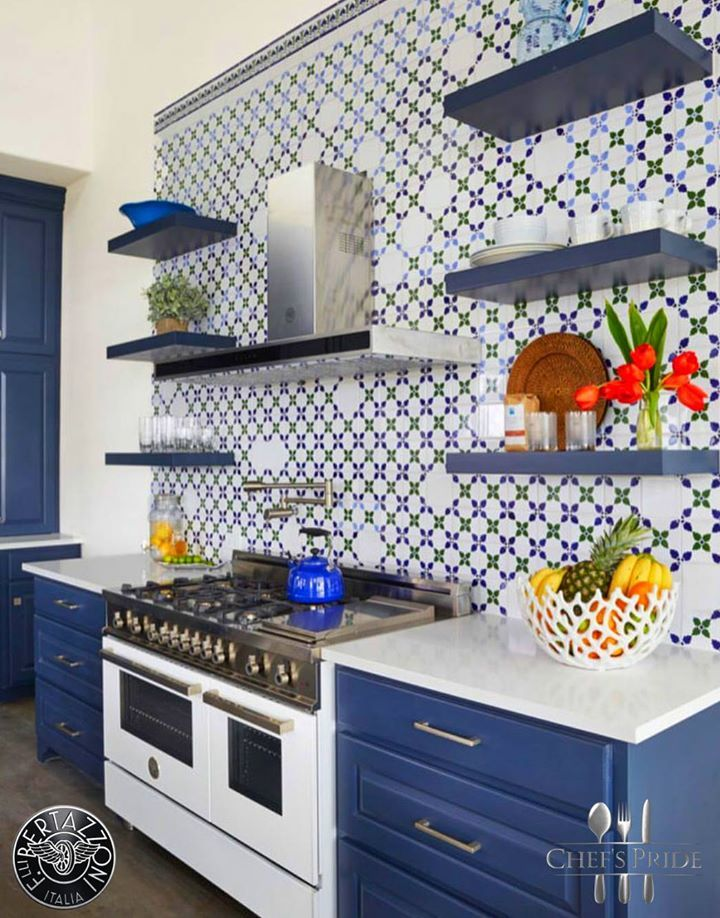 #BlueMonday? No ways! Not in this blue and white themed kitchen with #Bertazzoni #Professional stove! To locate a stockist near you, click here and scroll down! http://www.chefspride.co.za/contact-us/