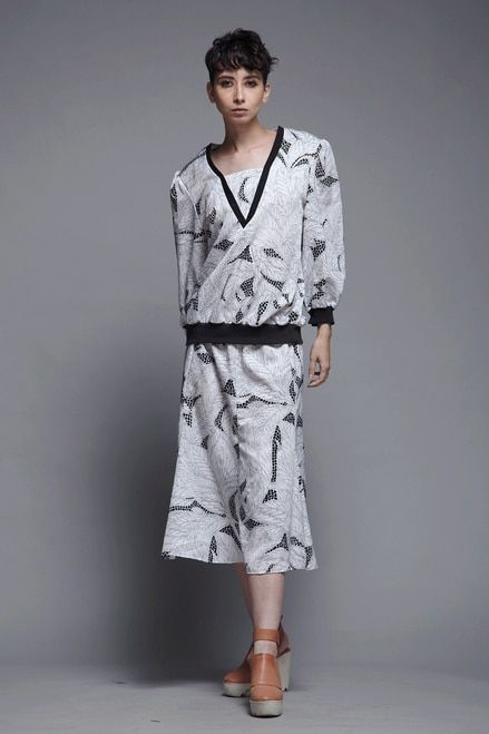 817af3ac672 2-piece secretary dress top skirt matching set black white leaf print  vintage 80s LARGE L