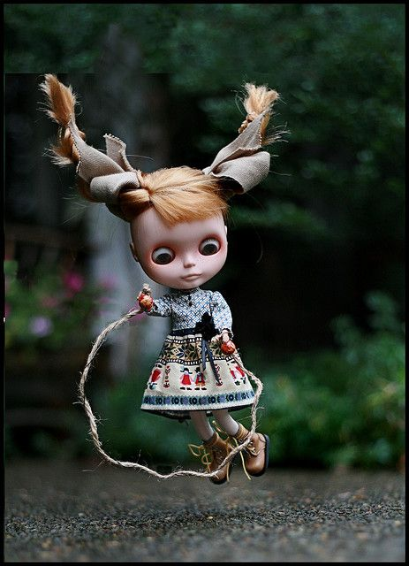 blythe doll jump roping now I know I'm getting one!!  Cutest little thing ever!