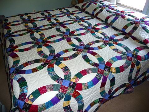 Amish Spirit Offers Handmade And Patchwork Double Wedding Ring Quilt Along With American King Size Quilts For Online