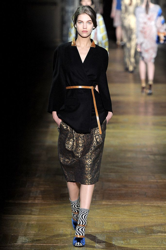 Dries Van Noten Fall 2011 Ready-to-Wear Fashion Show - Samantha Gradoville (IMG)