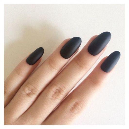 Matte schwarze ovale Nägel handbemalte Acrylnägel falsche Nägel? sehr beliebt bei Polyvore mit Schönheitsprodukten, Nagelpflege und Nagelbehandlungen – care