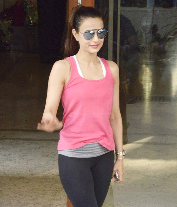 Ameesha Patel outside Sanjay Dutt's residence. #Bollywood #Fashion #Style #Beauty #Hot #Sexy #Leggings