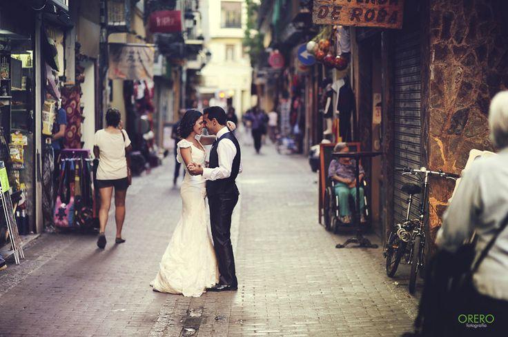 Street Dancing Wedding by Manuel Orero on 500px