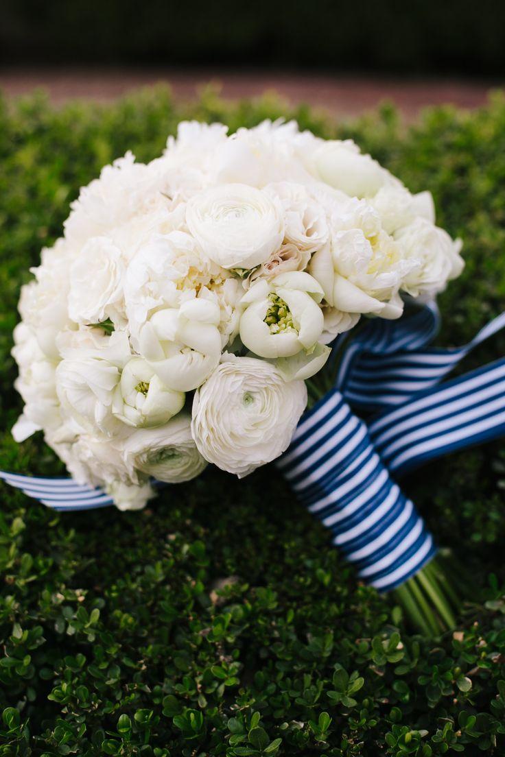 #bouquet-wrap  Photography: Heather Kincaid - heatherkincaid.com  Read More: http://www.stylemepretty.com/little-black-book-blog/2014/06/25/modern-elegant-wedding-at-miramonte-resort-spa/