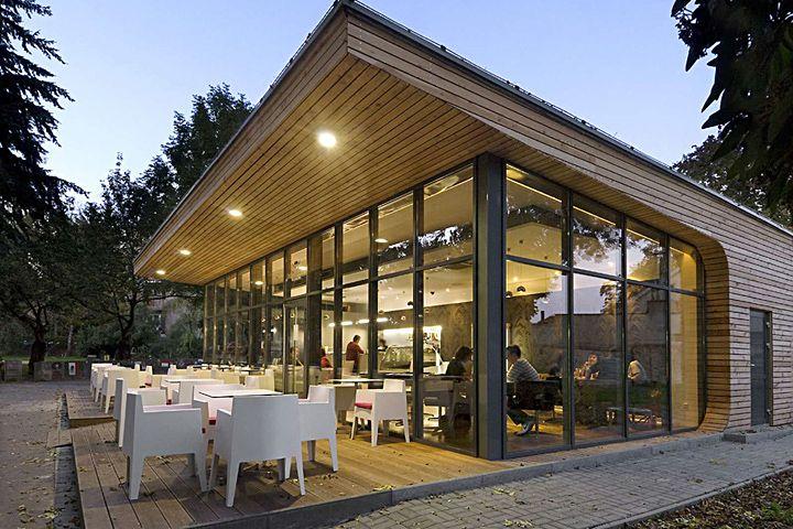 Оригинальный дизайн парковой кофейни-павильона с летней террасой