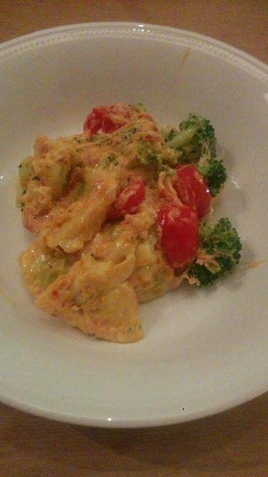 Ravioli met romige pestosaus en broccoli