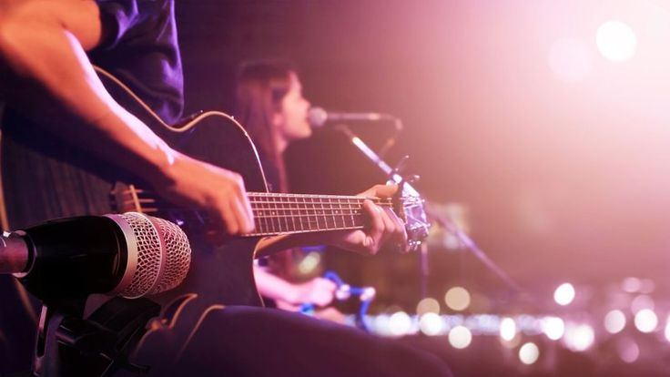 It's dinner and a show! Who doesn't love to hear live music while they're eating out at a Bay Area restaurant? With so many talented musicians living in and around San Francisco, more and more restaurants are offering free and cheap performances with...