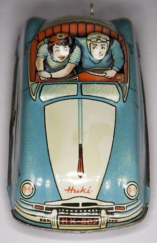 Huki toy car
