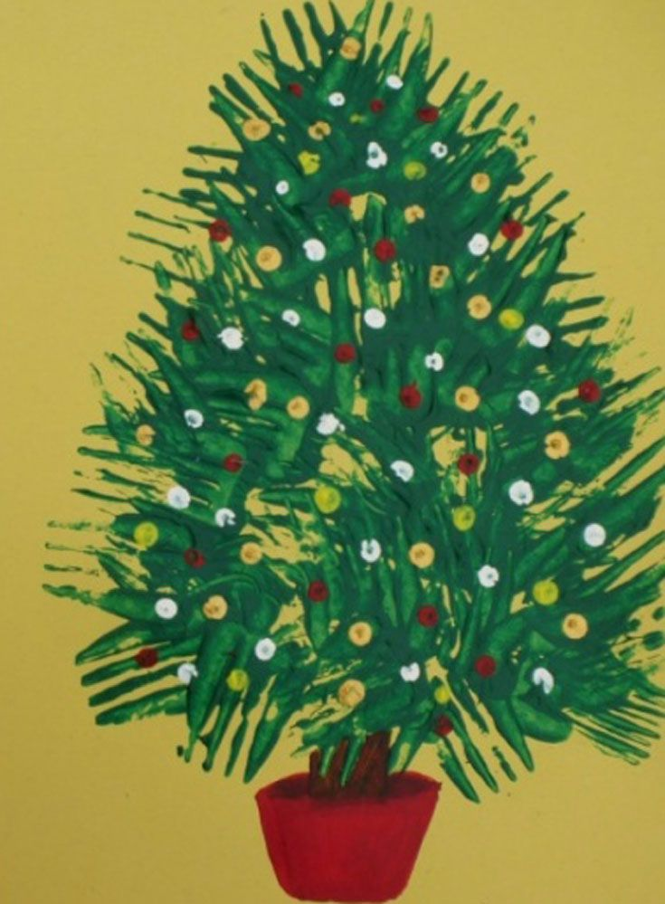 Print with forks to make these pretty Christmas trees. This is such a fun and lovely Christmas craft for kids of all ages. So easy and so effective. These would make lovely framed pictures as gifts or beautiful Christmas cards.