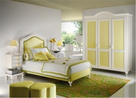 Girls Bedroom Decorating Ideas. Love the bedding and the closet doors.