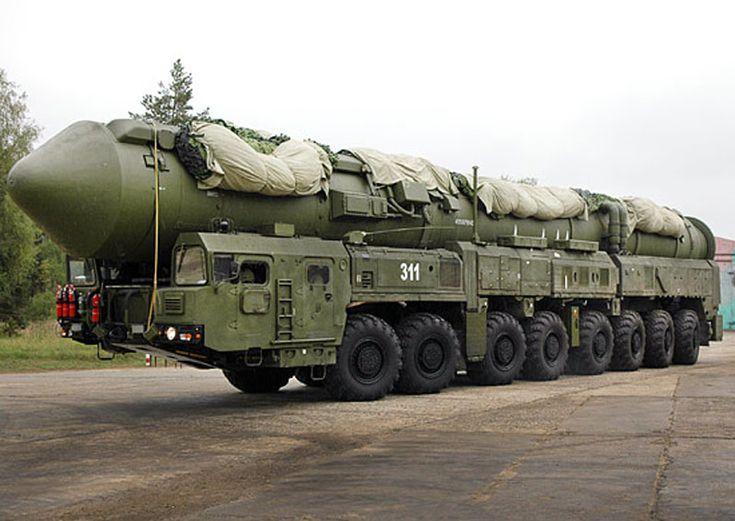 veicoli porta missili e testate nucleari A8c80de3a447c379b98858cc66e8387d--nuclear-bomb-military-vehicles