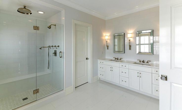 Hemingway Construction | Gallery of Bathrooms | White Porcelain