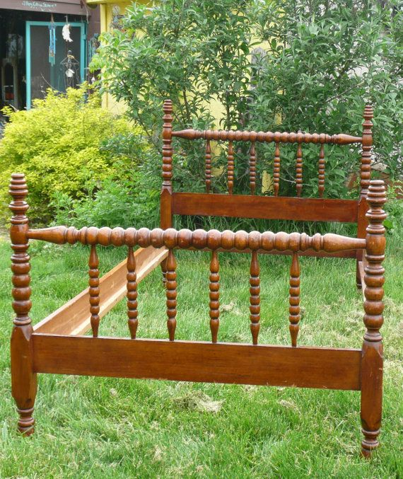 like this spindle bed even more than a jenny lind now if i can find - Spindle Bed