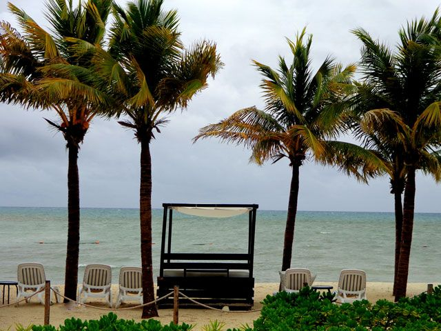 You want to plan a vacation to the Riviera Maya, but you are worried about the weather.  Here is a general explanation of the weather in Cancun and the Riviera Maya.