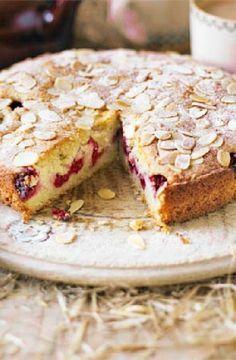 Low FODMAP Recipe and Gluten Free Recipe - Raspberry Bakewell cake http://www.ibs-health.com/low_fodmap_raspberry_bakewell_cake.html