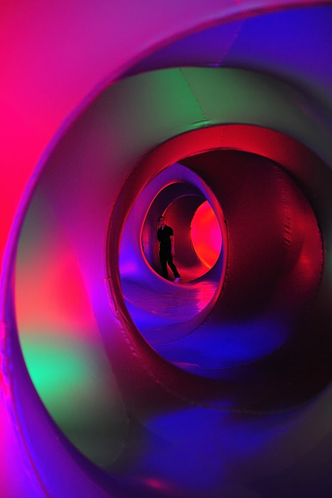 Architects of Air: Walk through inflatable sculpture.