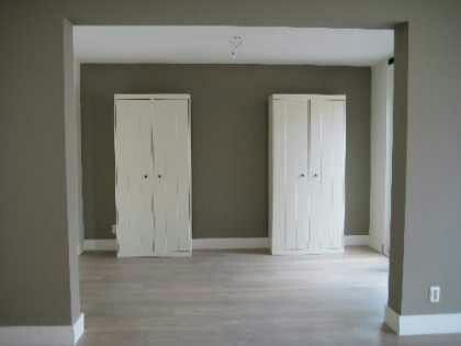 25 beste idee n over taupe muren op pinterest taupe slaapkamer taupe kleuren verf en - Witte kamer en taupe ...