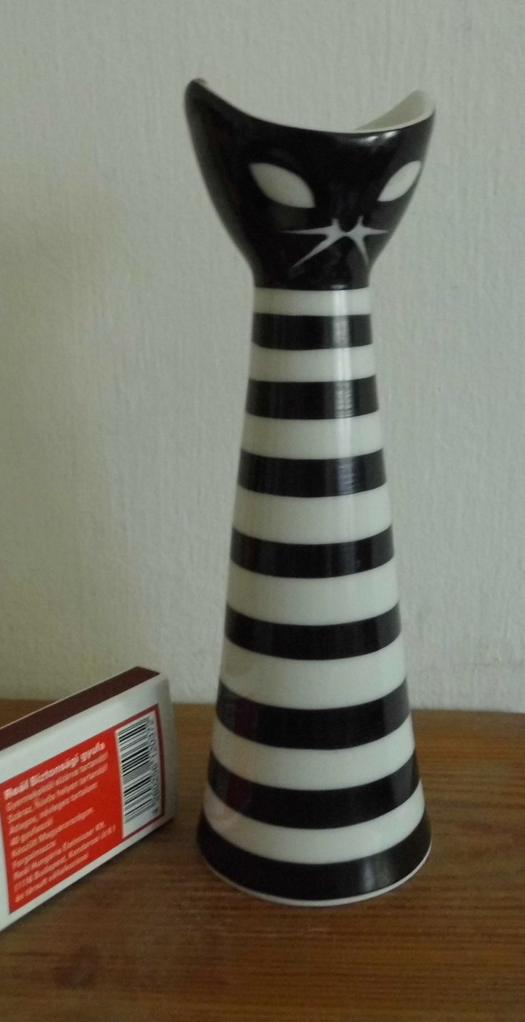 Vintage Art Deco Black And White Cat Vase From Hungarian