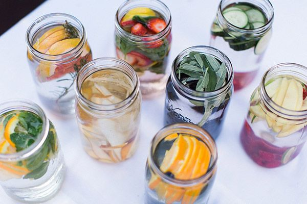 8 ways to give some flavour to your water