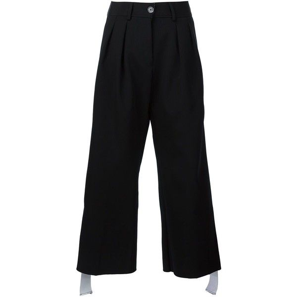 Off-White Pleated Wide Leg Short Trousers ($1,485) ❤ liked on Polyvore featuring pants, black, wide leg pants, ankle trousers, pleated wide leg pants, wide leg short pants and short pants