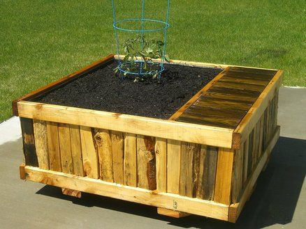 Planter Box on Wheels Made From Pallets