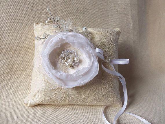 Обручальное кольцо подушки кольцо цвета слоновой кости подушка, цветок кольцо на предъявителя, слоновой кости держателя кольца -