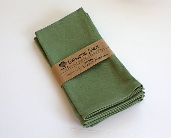 Green Cloth Napkins // Set of 4 Cotton Dinner by GenesisAire Great wedding gift idea