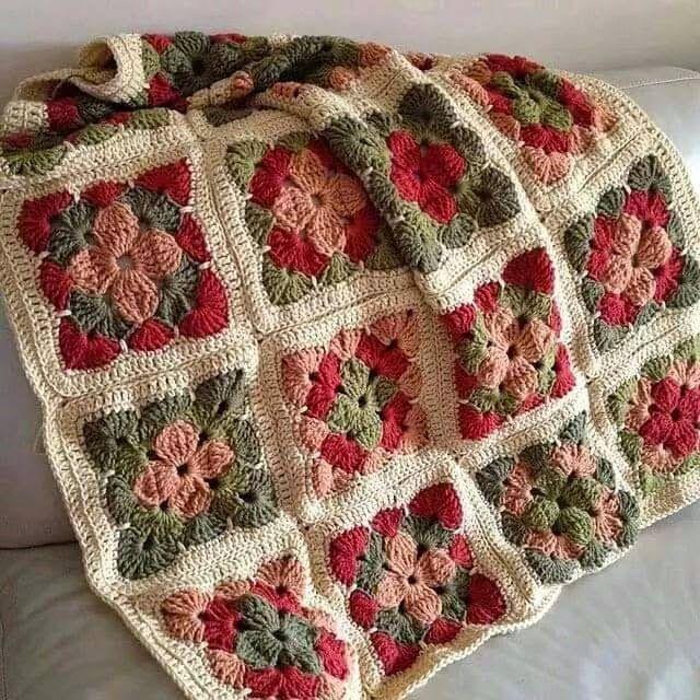 Hobby lavori femminili - ricamo - uncinetto - maglia: copertina mattonella