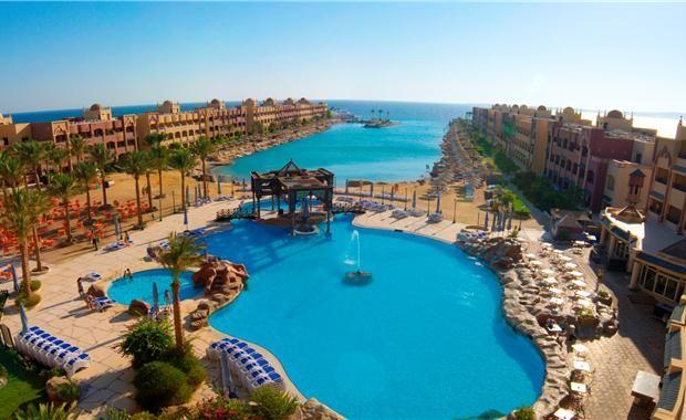 Египет, Хургада   26 500 р. на 6 дней с 01 августа 2015  Отель: Sunny Days El Palacio Resort 4*  Подробнее: http://naekvatoremsk.ru/tours/egipet-hurgada-212