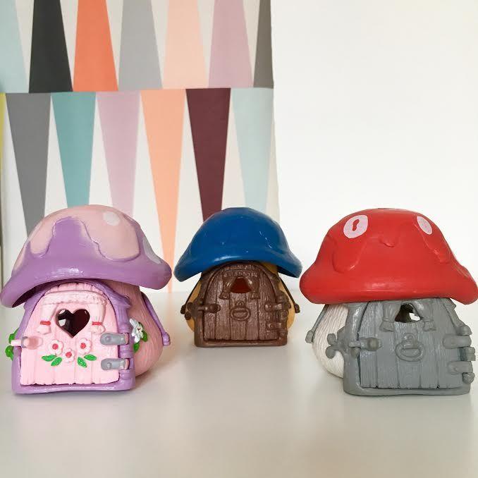Pi di 25 fantastiche idee su maison schtroumpf su for Maison jouet exterieur