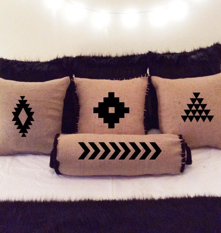 #fifiletters #pillows #yastik #yilbasi #hediye #harf #aydinlatma #lamba #kirmizi #dekorasyon #ev #decoration #tasarim #design #mavi #sarı #yesil #pembe #vintage #kisiyeozel #isim #ampul #siyah #beyaz #kar #kis #winter #snow #family #smile #wife #husbant #beyaz