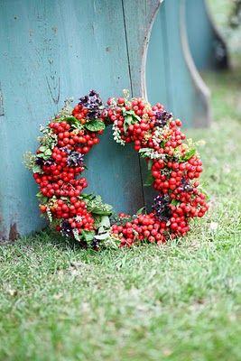 pretty berry wreath :)